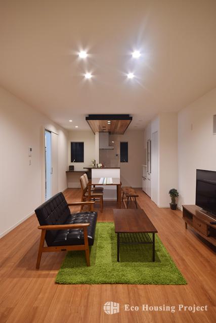無垢(レッドシダー)天井の家